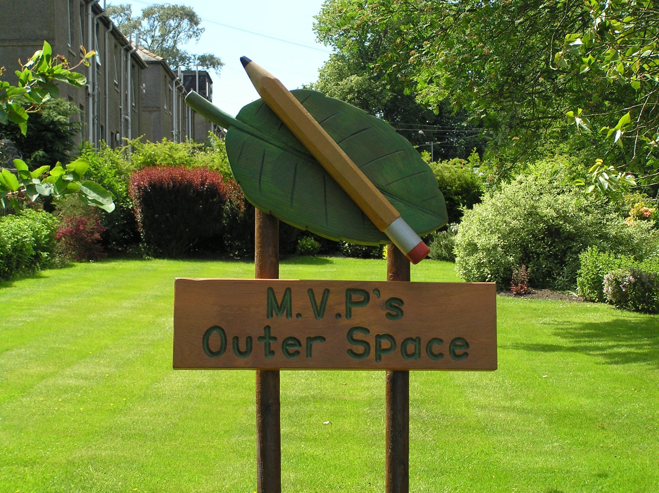 hand carved, solid oak, school playground, garden sign, sculpture, friendship bench, friendship garden,