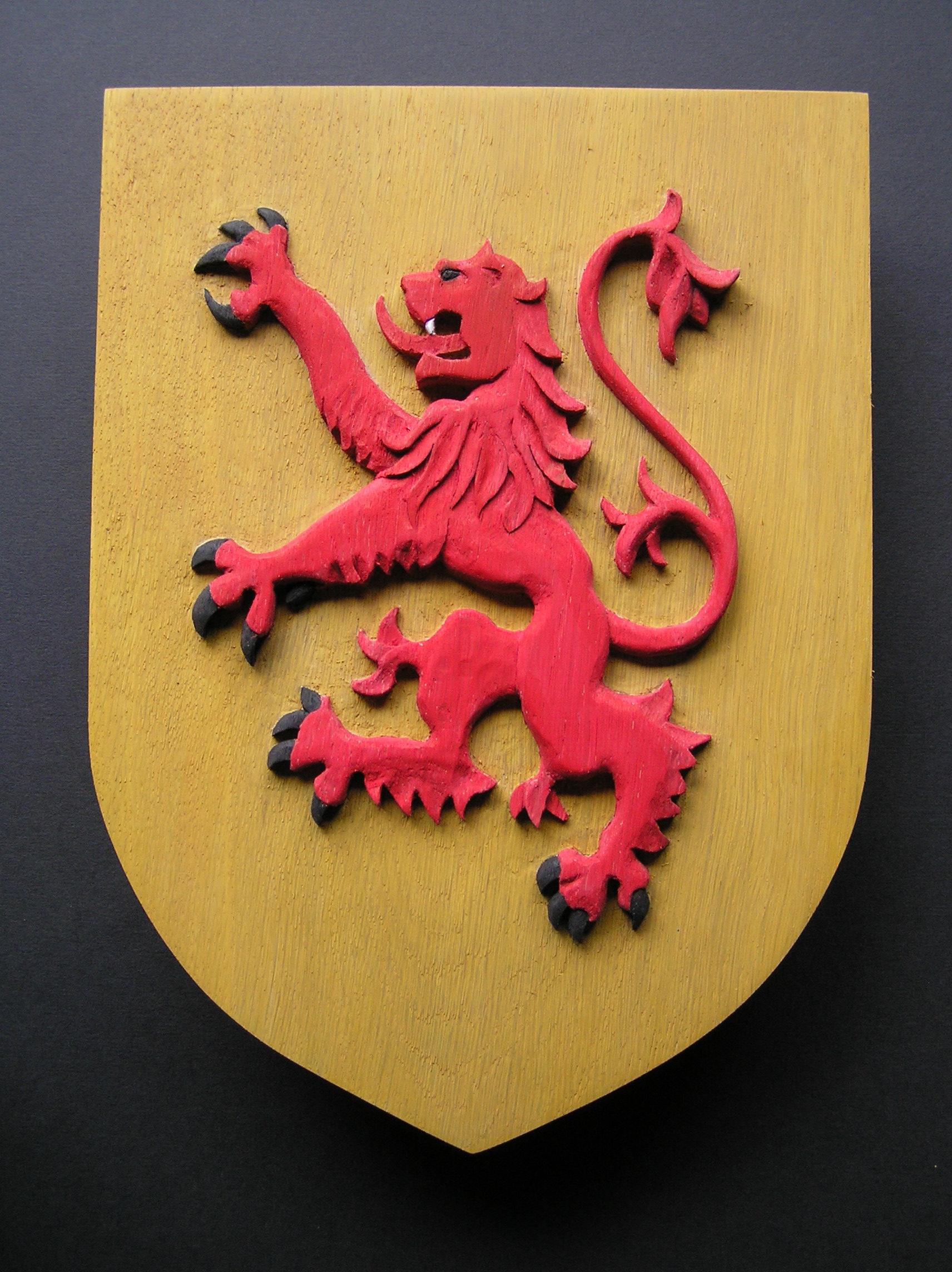 Bannockburn Anniversary, 1314, Scottish oak, carved shield, lion rampant,Clan MacDuff , MacDuff shield, bespoke carving, custom made carving,Scottish carving,